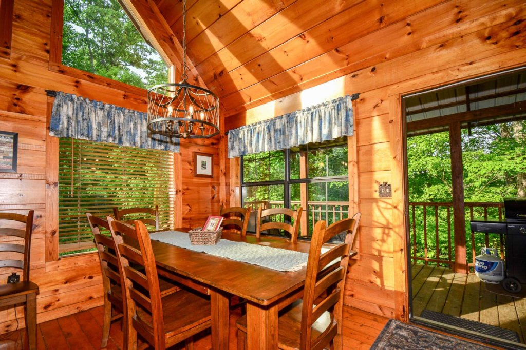 Photo of a Pigeon Forge Cabin named Dogwood Ridge - This is the ninth photo in the set.