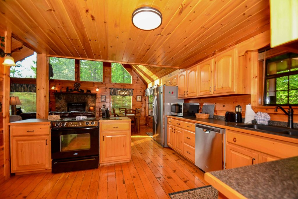 Photo of a Pigeon Forge Cabin named Dogwood Ridge - This is the twentieth photo in the set.