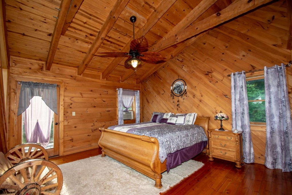 Photo of a Sevierville Cabin named Lasting Impressions Lodge - This is the twentieth photo in the set.