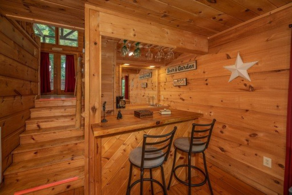 Photo of a Gatlinburg Cabin named Logan's Smoky Den - This is the ninth photo in the set.