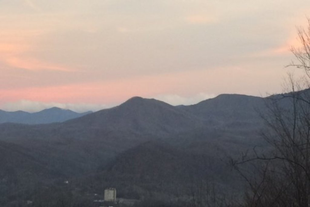 Photo of a Gatlinburg Cabin named All About The View - This is the twenty-seventh photo in the set.