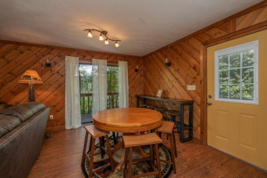 Photo of a Pigeon Forge Cabin named Bear Necessities - This is the fourth photo in the set.