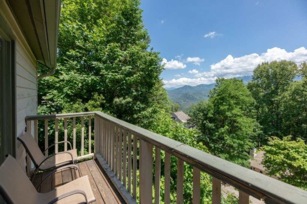 Photo of a Gatlinburg Cabin named All About The View - This is the twenty-second photo in the set.