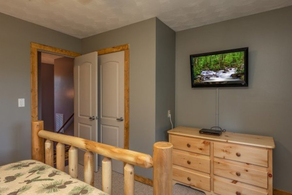 Photo of a Pigeon Forge Cabin named Bear Necessities - This is the twelfth photo in the set.