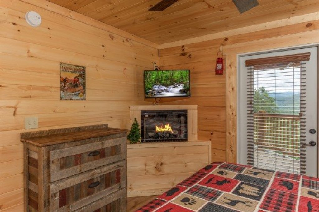 Photo of a Sevierville Cabin named Sawmill Springs - This is the twelfth photo in the set.