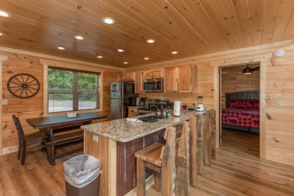 Photo of a Sevierville Cabin named Sawmill Springs - This is the sixth photo in the set.