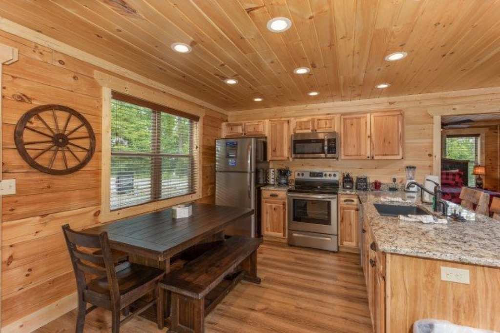 Photo of a Sevierville Cabin named Sawmill Springs - This is the seventh photo in the set.