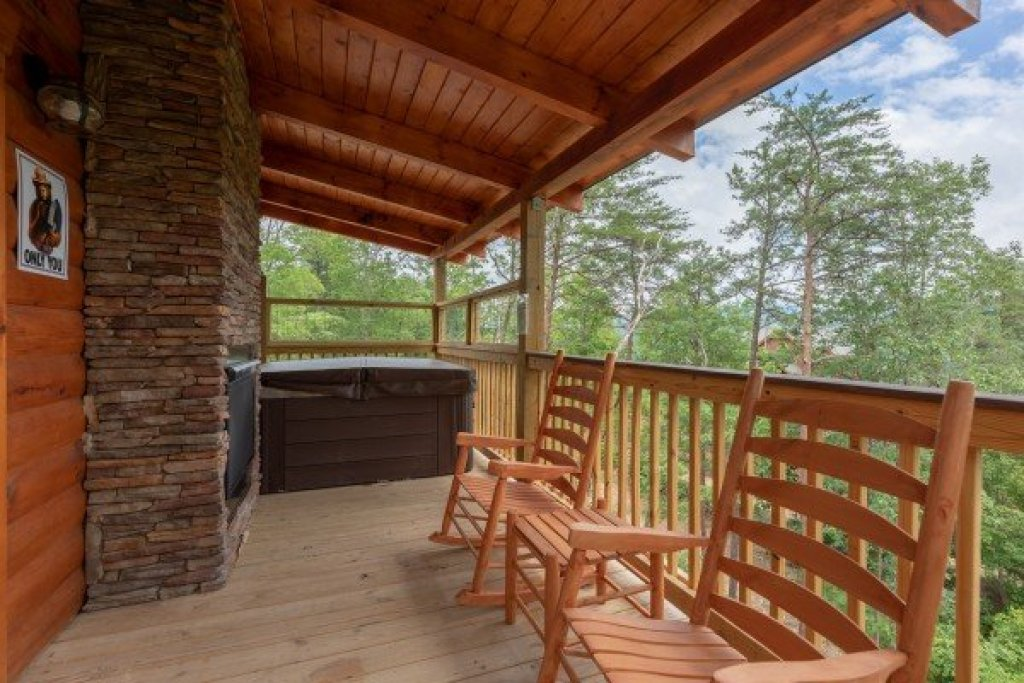 Photo of a Sevierville Cabin named Sawmill Springs - This is the eighth photo in the set.
