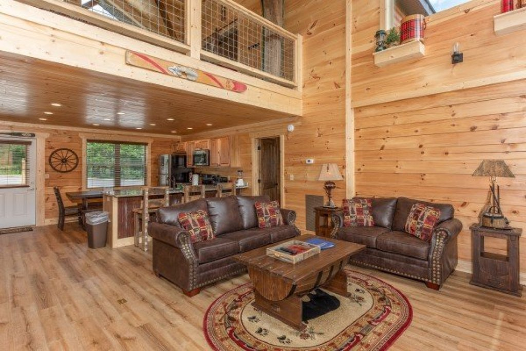 Photo of a Sevierville Cabin named Sawmill Springs - This is the fifth photo in the set.