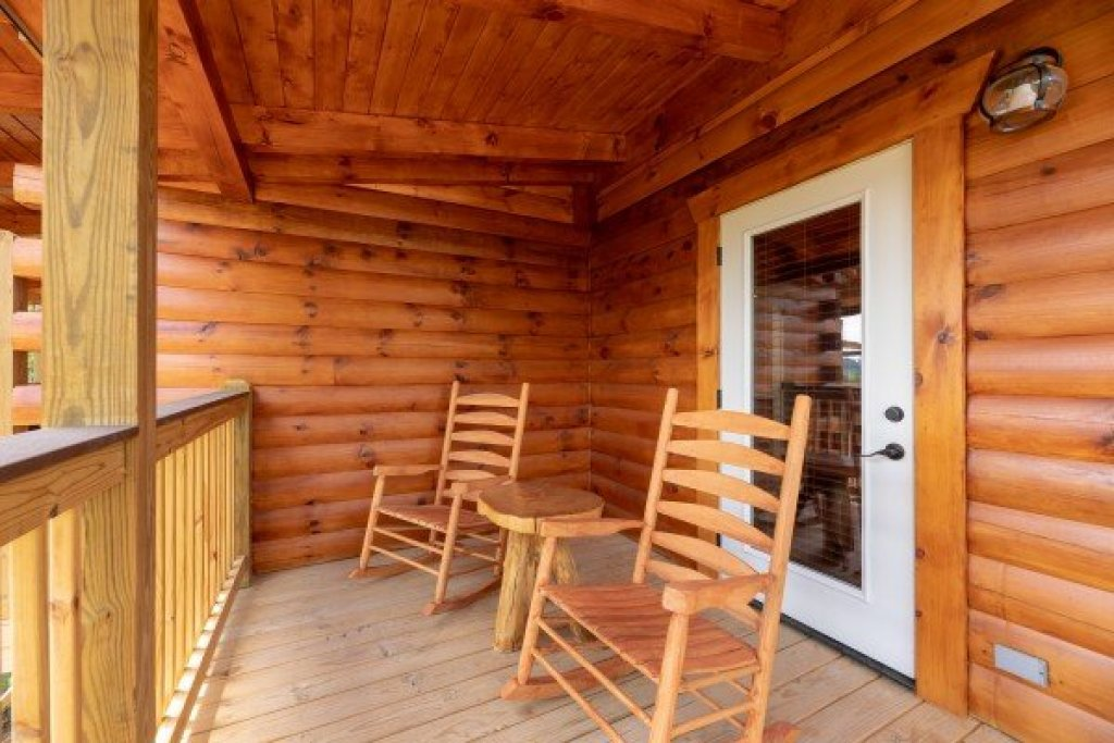 Photo of a Sevierville Cabin named Sawmill Springs - This is the eighteenth photo in the set.