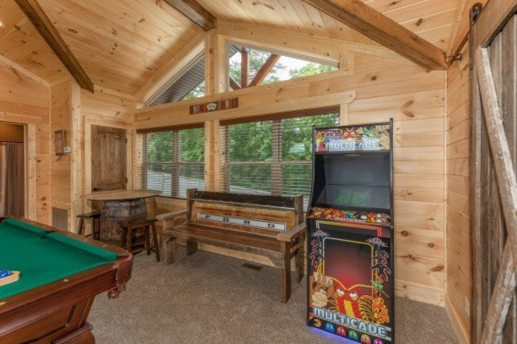 Photo of a Sevierville Cabin named Sawmill Springs - This is the twenty-third photo in the set.