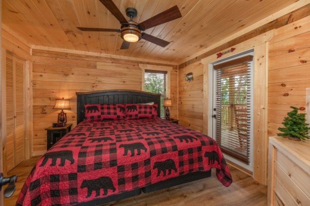 Photo of a Sevierville Cabin named Sawmill Springs - This is the fifteenth photo in the set.