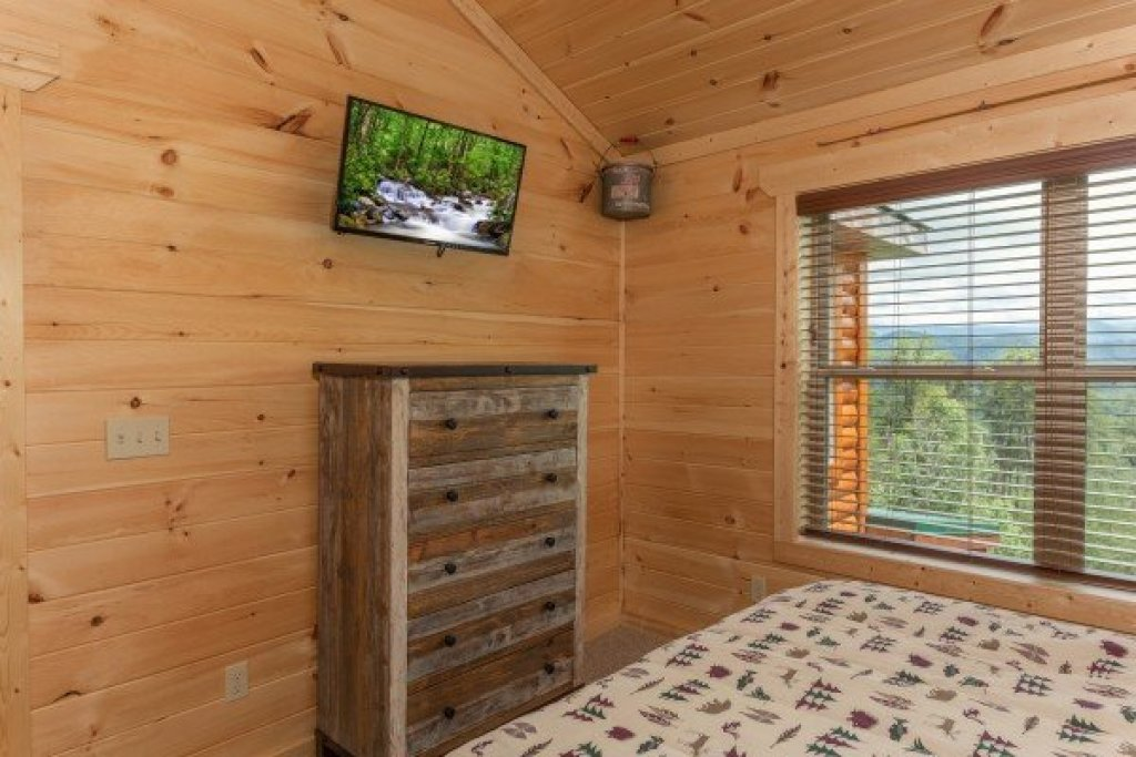 Photo of a Sevierville Cabin named Sawmill Springs - This is the twenty-fifth photo in the set.