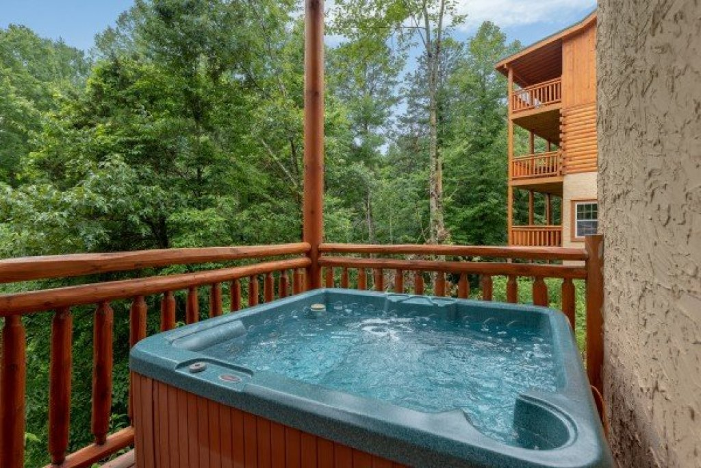 Photo of a Pigeon Forge Cabin named The Pool Palace - This is the thirty-fifth photo in the set.