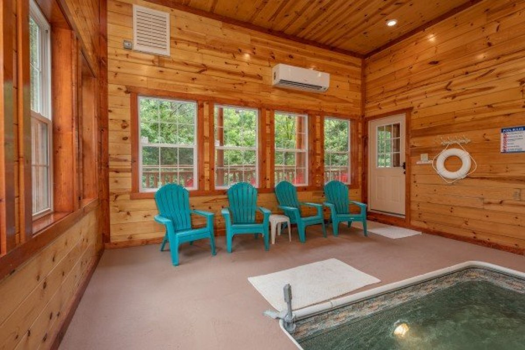 Photo of a Pigeon Forge Cabin named The Pool Palace - This is the thirty-first photo in the set.