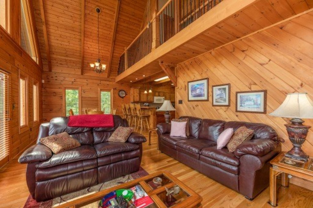 Photo of a Sevierville Cabin named Mountain Lake Getaway - This is the third photo in the set.