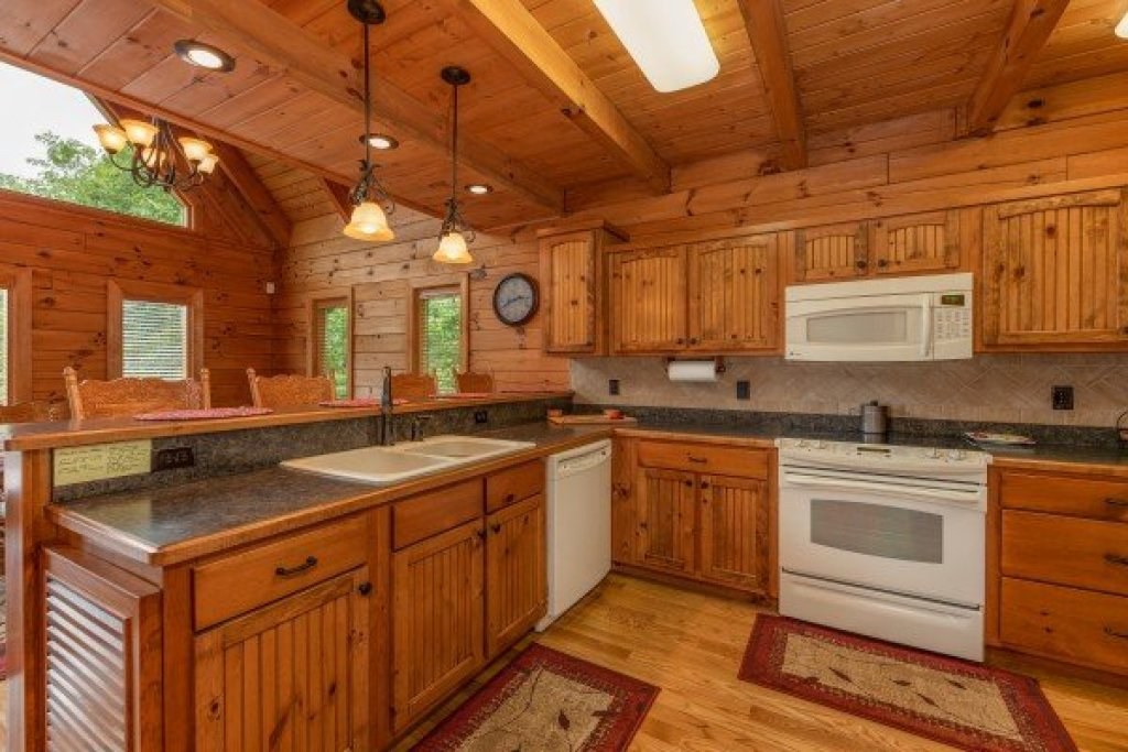 Photo of a Sevierville Cabin named Mountain Lake Getaway - This is the seventh photo in the set.