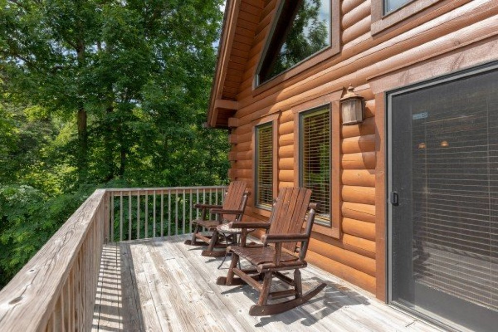 Photo of a Sevierville Cabin named Mountain Lake Getaway - This is the twenty-first photo in the set.