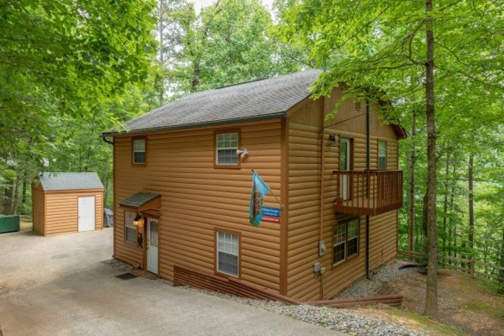 Photo of a Pigeon Forge Cabin named A Hidden Treasure - This is the first photo in the set.