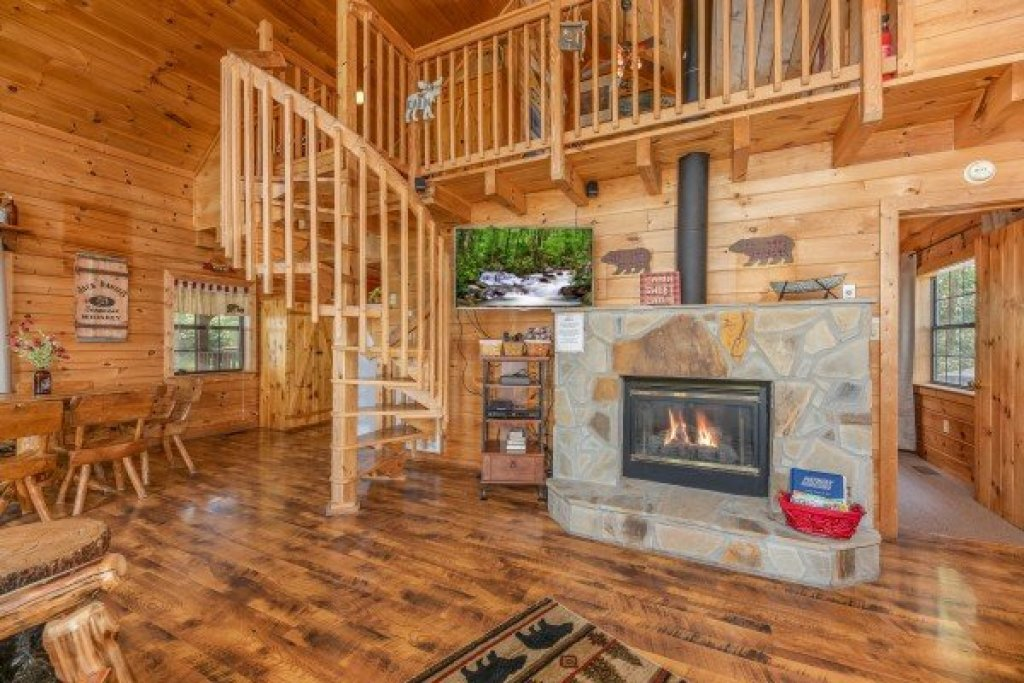 Photo of a Pigeon Forge Cabin named Away From It All - This is the eighth photo in the set.