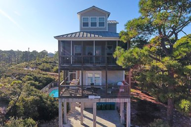 Impressive Pet-friendly Home with pool with the boardwalk just a short walk away