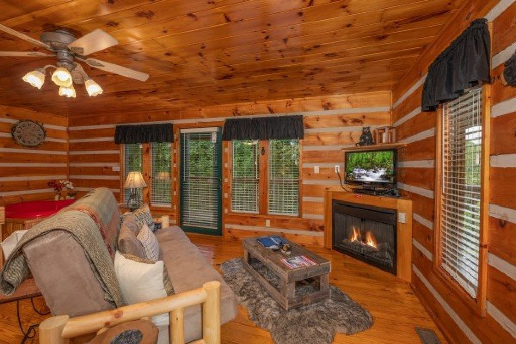 Photo of a Pigeon Forge Cabin named Honey Bear Hideaway - This is the second photo in the set.
