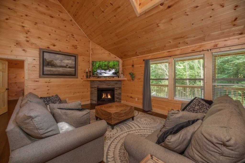 Photo of a Sevierville Cabin named Always Dream'n - This is the fourth photo in the set.