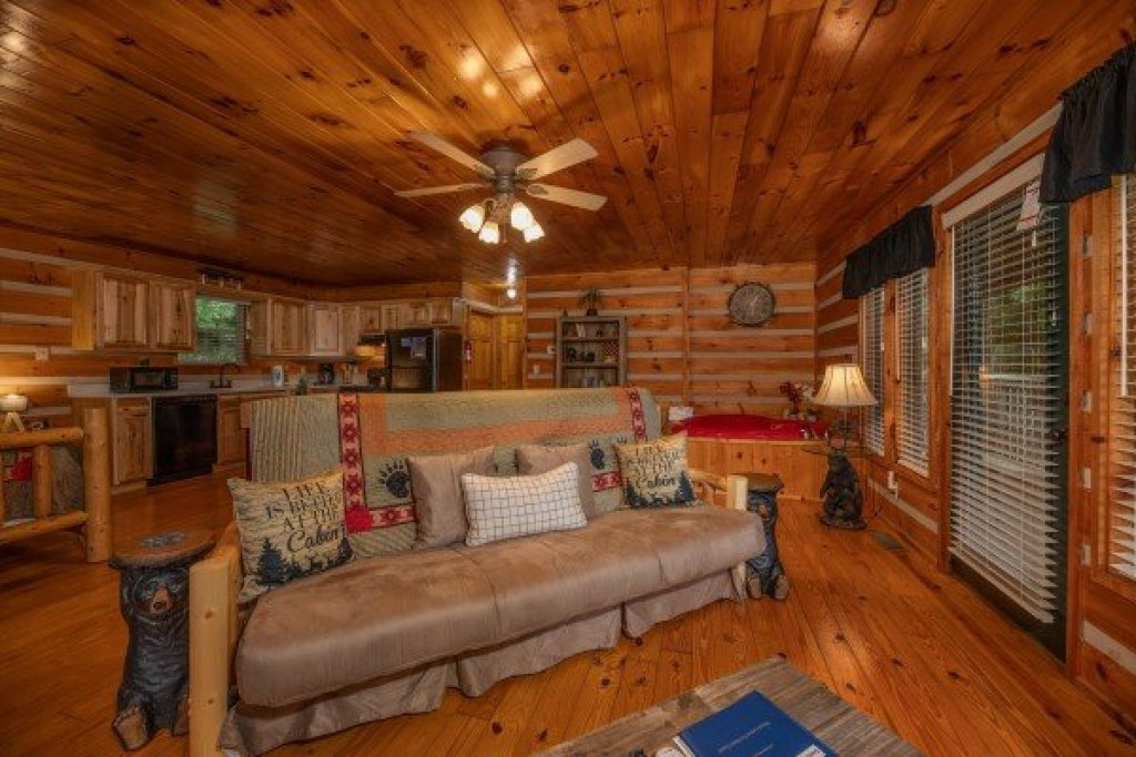 Photo of a Pigeon Forge Cabin named Honey Bear Hideaway - This is the third photo in the set.