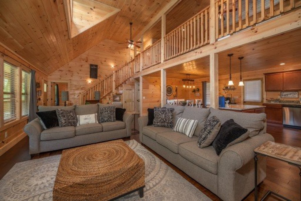 Photo of a Sevierville Cabin named Always Dream'n - This is the fifth photo in the set.