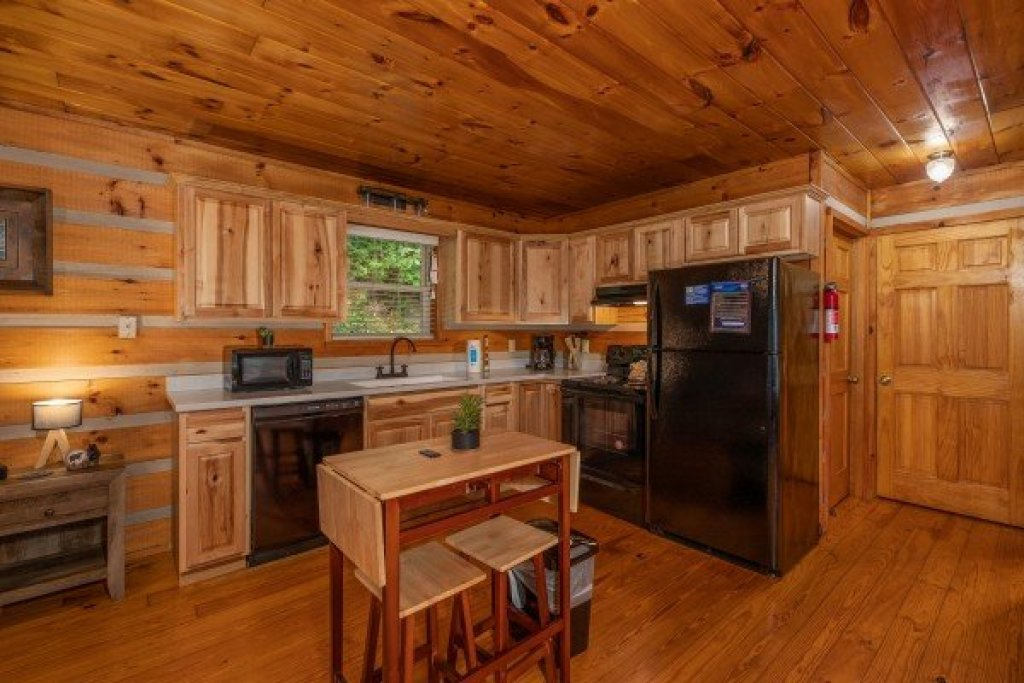 Photo of a Pigeon Forge Cabin named Honey Bear Hideaway - This is the fourth photo in the set.