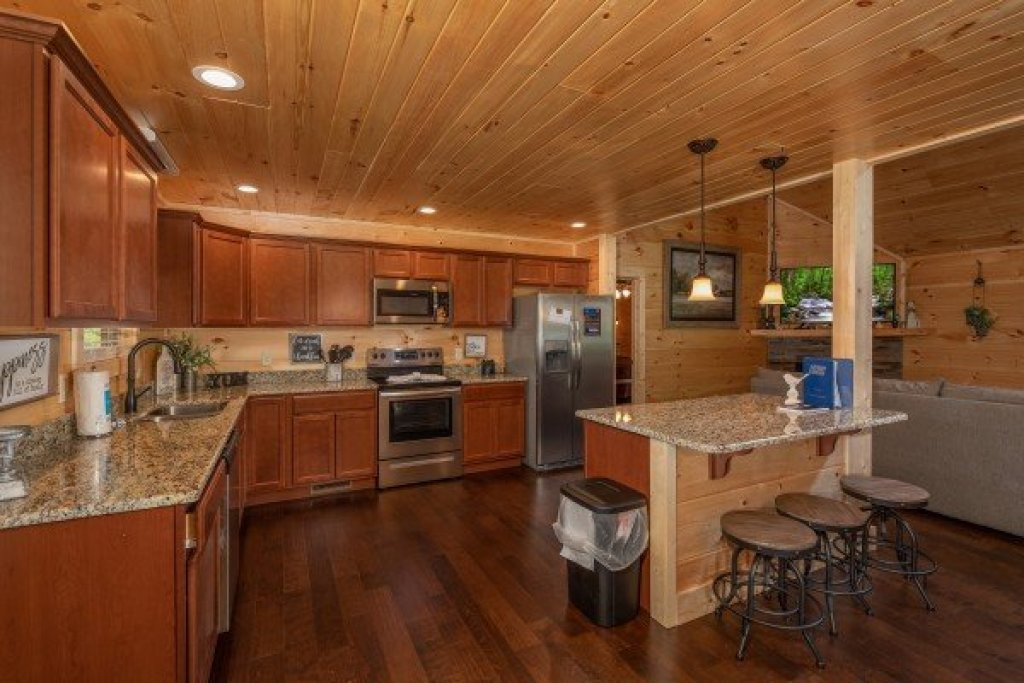 Photo of a Sevierville Cabin named Always Dream'n - This is the seventh photo in the set.