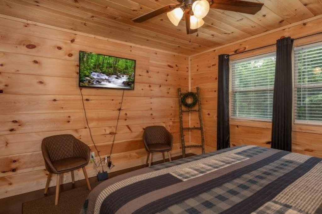Photo of a Sevierville Cabin named Always Dream'n - This is the thirty-third photo in the set.