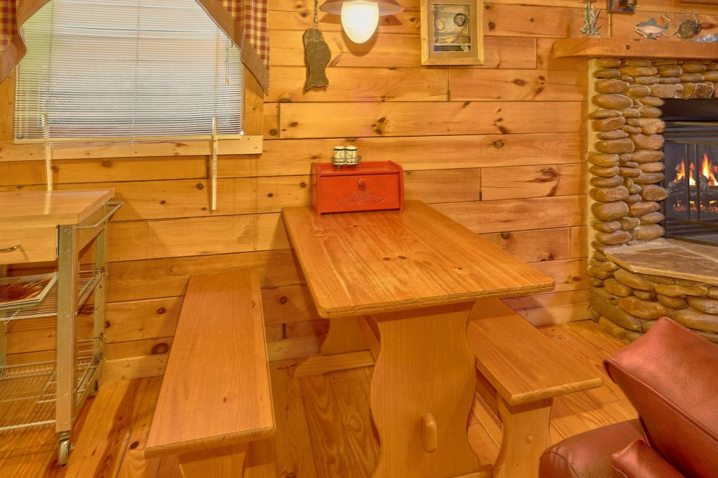 Photo of a Pigeon Forge Cabin named Romantic Hideaway #126 - This is the eighth photo in the set.