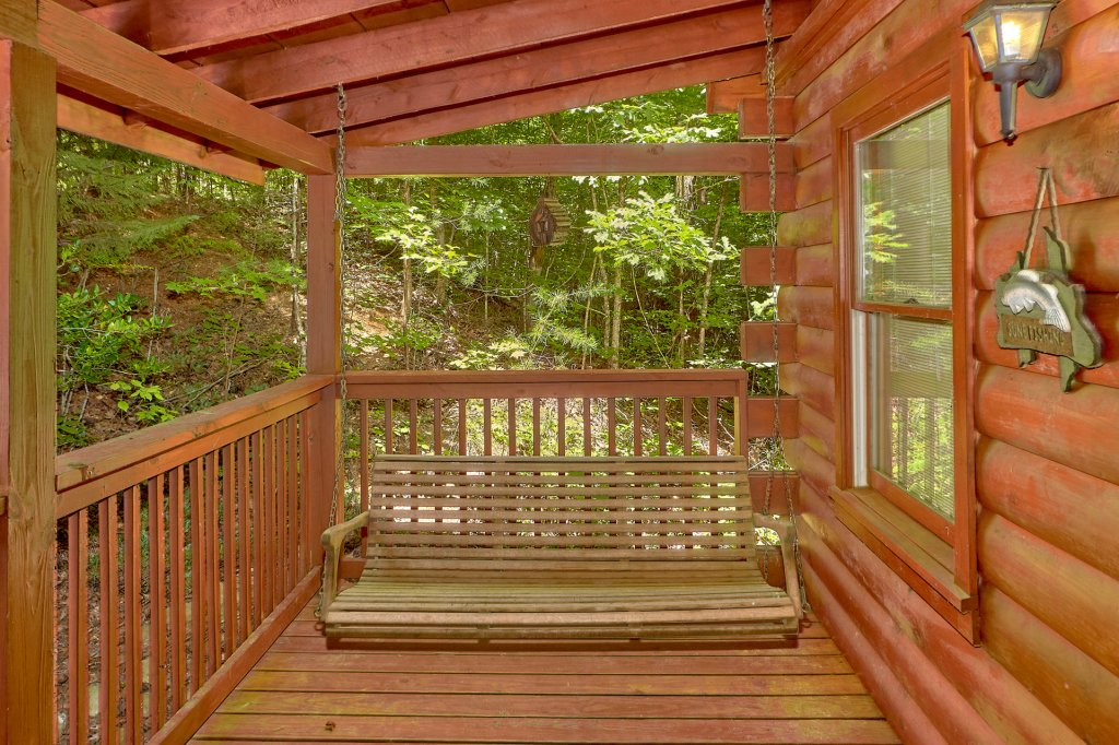Photo of a Pigeon Forge Cabin named Romantic Hideaway #126 - This is the sixth photo in the set.
