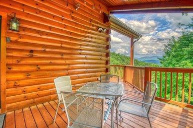Seven Bedroom Gatlinburg Luxury Cabin With Majestic Smoky Mountain Views!