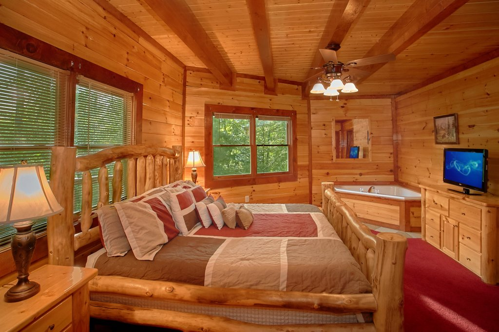 Photo of a Gatlinburg Cabin named Cherokee Pool Lodge - This is the fourteenth photo in the set.