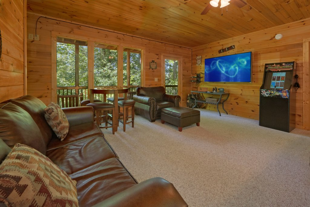 Photo of a Gatlinburg Cabin named Romance Inn - This is the tenth photo in the set.