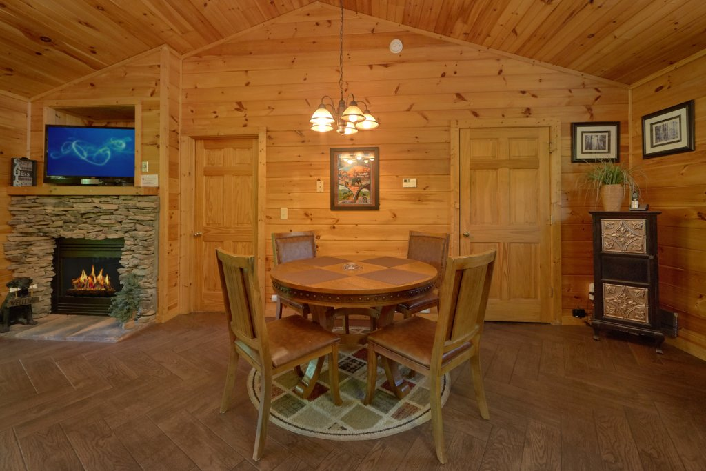Photo of a Gatlinburg Cabin named Romance Inn - This is the thirteenth photo in the set.