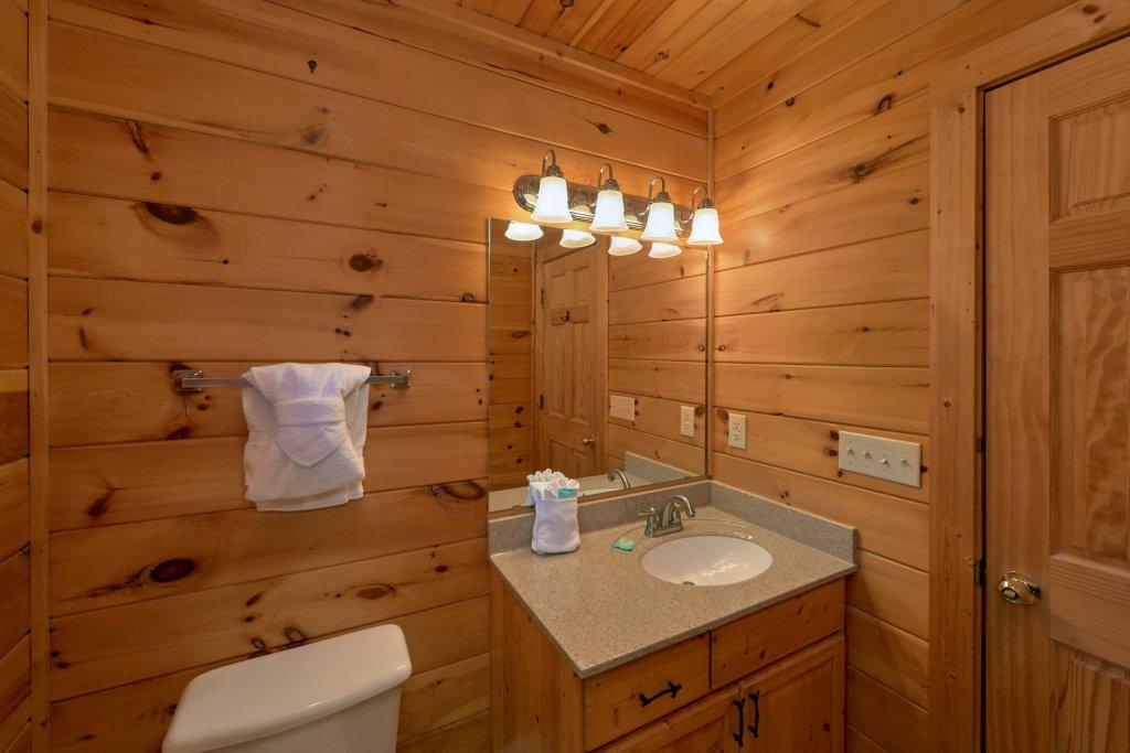 Romance Inn Cabin In Gatlinburg W 2 Br Sleeps6