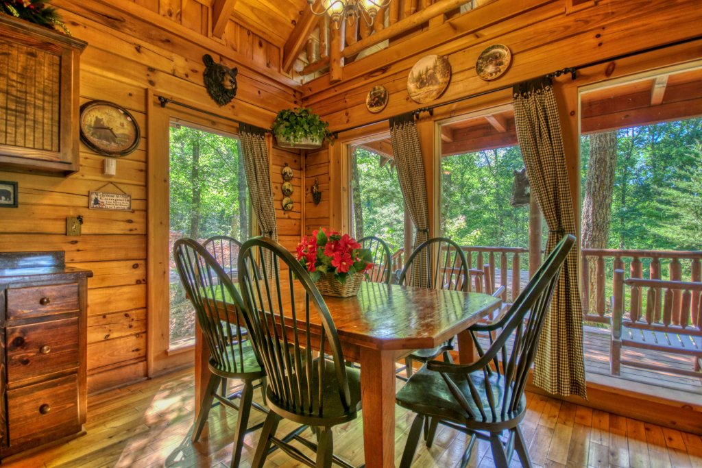 Photo of a Gatlinburg Cabin named Beary Secluded #296 - This is the fifth photo in the set.