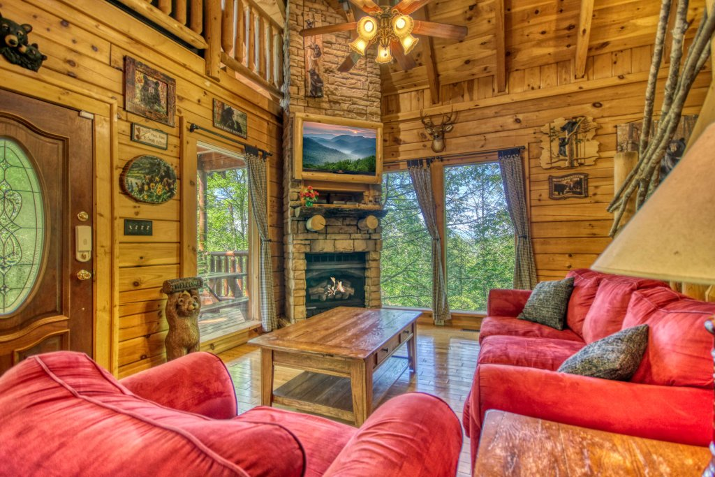 Photo of a Gatlinburg Cabin named Beary Secluded #296 - This is the fourth photo in the set.