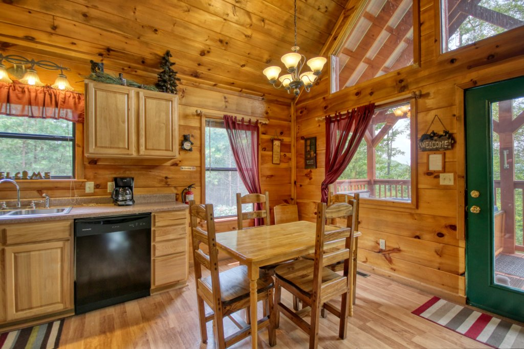 Photo of a Pigeon Forge Cabin named Wow !! What A Cabin #255 - This is the fourth photo in the set.