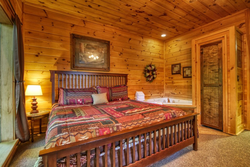 Photo of a Gatlinburg Cabin named Beary Secluded #296 - This is the nineteenth photo in the set.