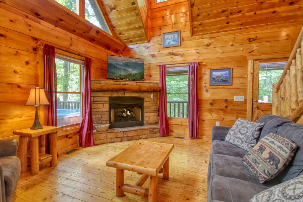 Lover's Lake #105 Cabin in SEVIERVILLE w/ 1 BR (Sleeps4)