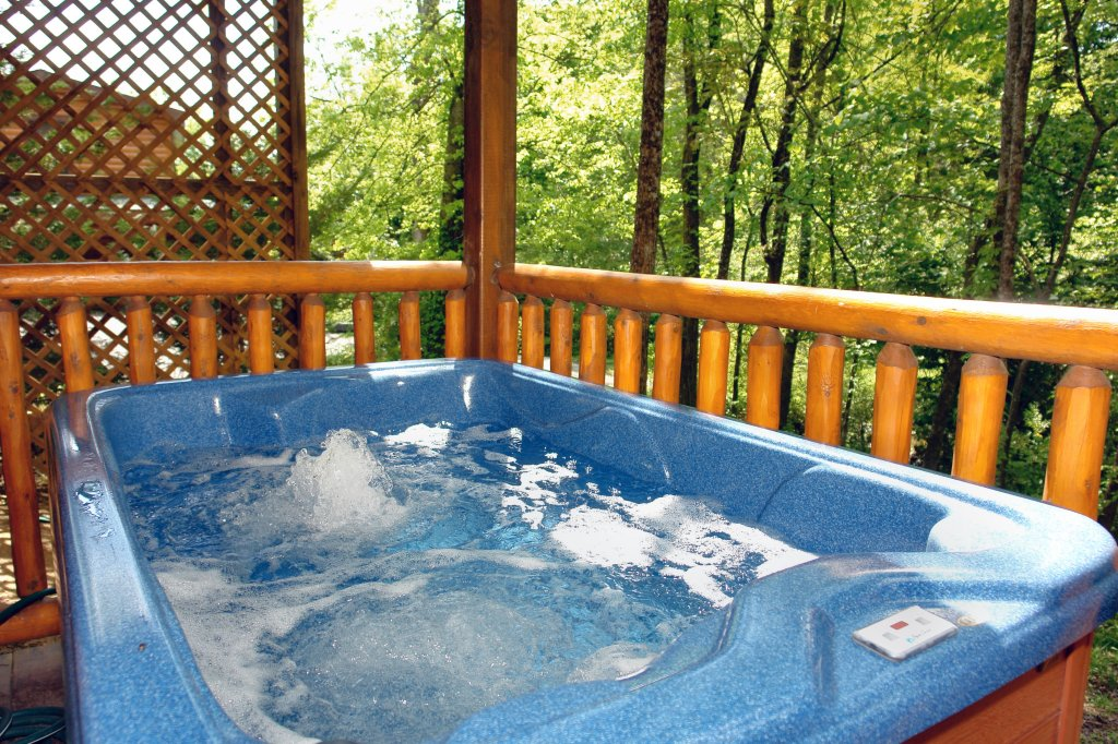 Photo of a Pigeon Forge Cabin named Skinny Dippin' #261 - This is the fifth photo in the set.