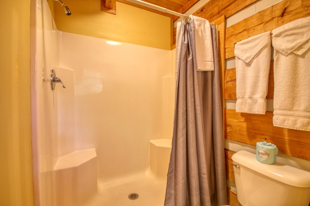 Photo of a Gatlinburg Cabin named Cuddle Inn #1529 - This is the sixteenth photo in the set.