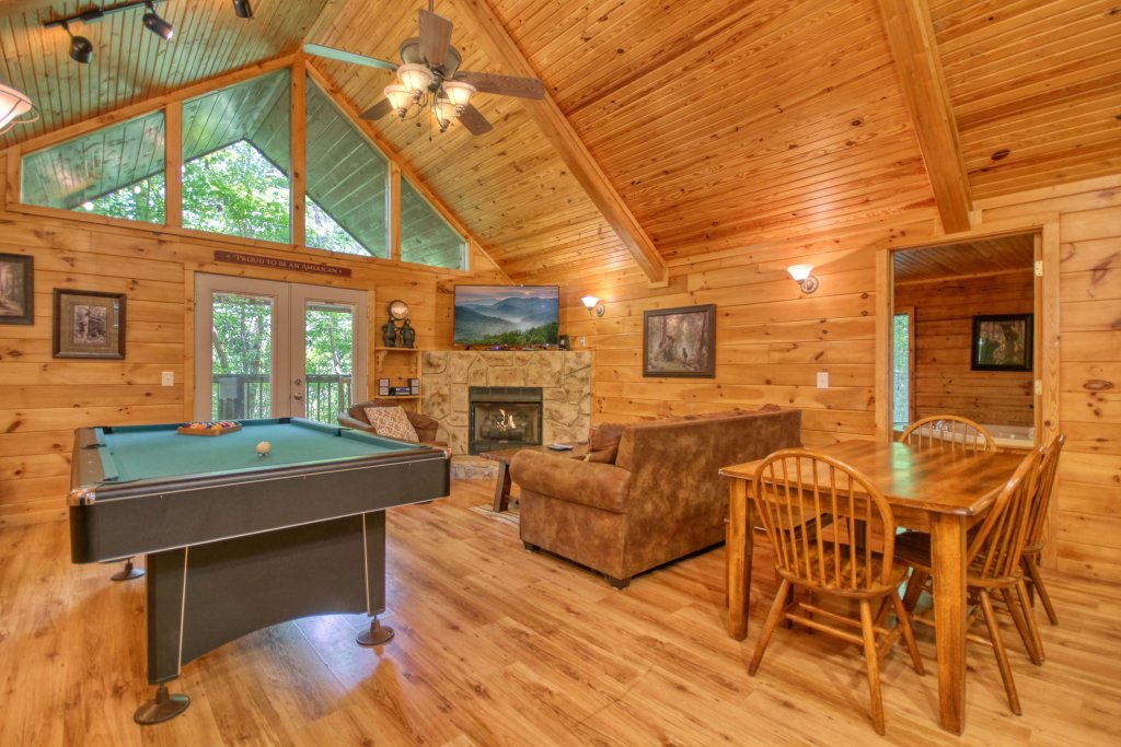 Photo of a Gatlinburg Cabin named Bear Haven - 297 - This is the fourth photo in the set.