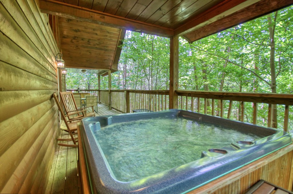 Photo of a Gatlinburg Cabin named Bear Haven - 297 - This is the second photo in the set.