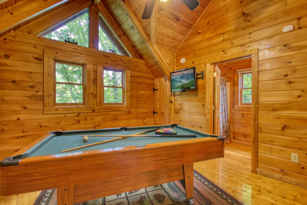 Photo of a Gatlinburg Cabin named American Treehouse #1708 - This is the sixteenth photo in the set.