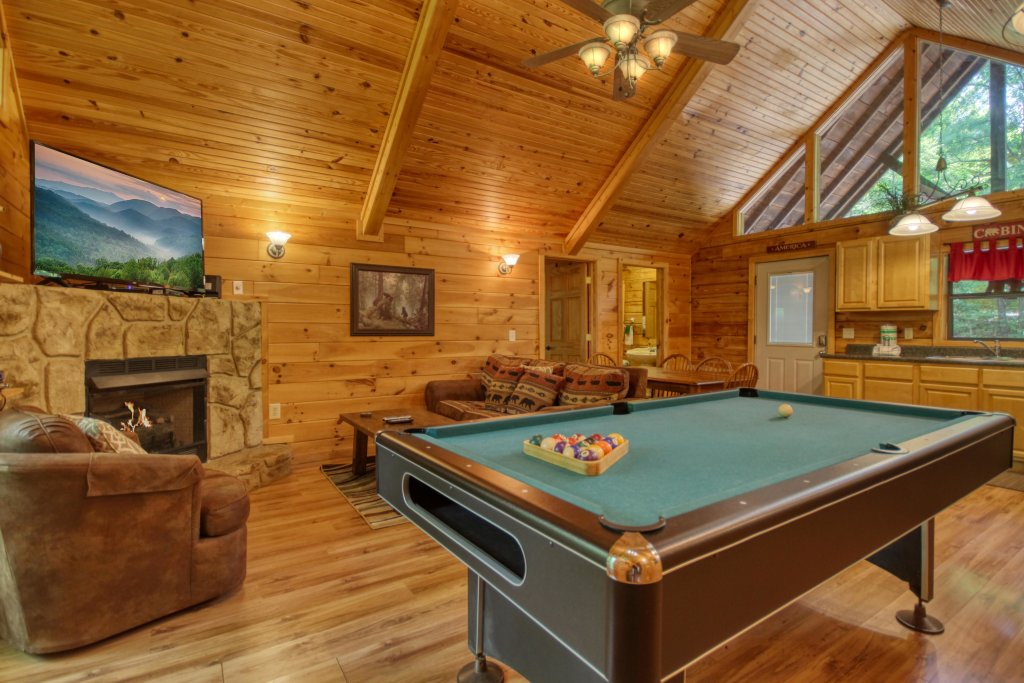 Photo of a Gatlinburg Cabin named Bear Haven - 297 - This is the sixth photo in the set.